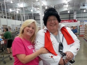Elvis ay Costco
